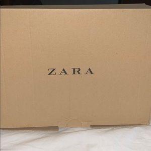NWT Zara grey & beige snake python print heels.